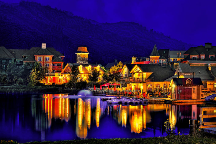 blue mountains village blue hour